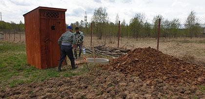 деревянный туалет для дачи в Можайске