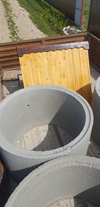копка колодца в Видном