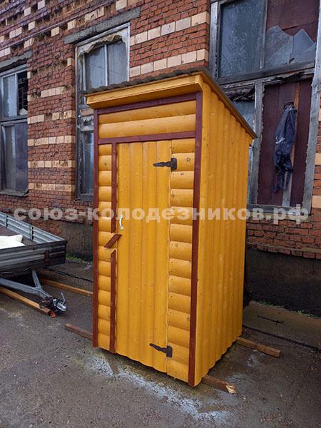 Деревянный туалет классический прямоугольный